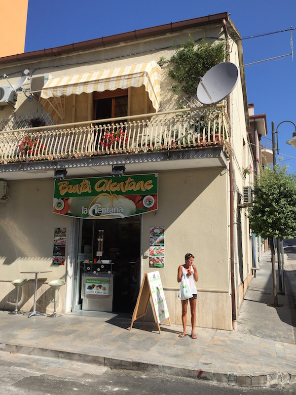 Buffalo milk icecream in Agropoli Italy