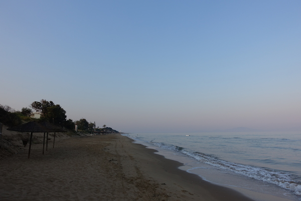 Great jogging beach earl morning Kastro