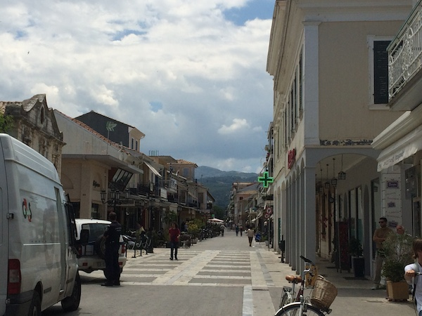 Police watch queues for ATM in old town Lefkada