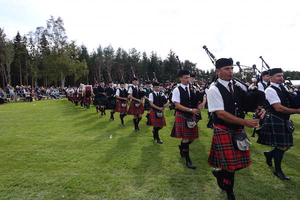Abernethy massed pipe bands