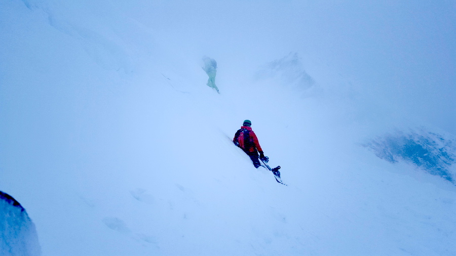 misty-backcountry-hike-offpiste-luke-rees