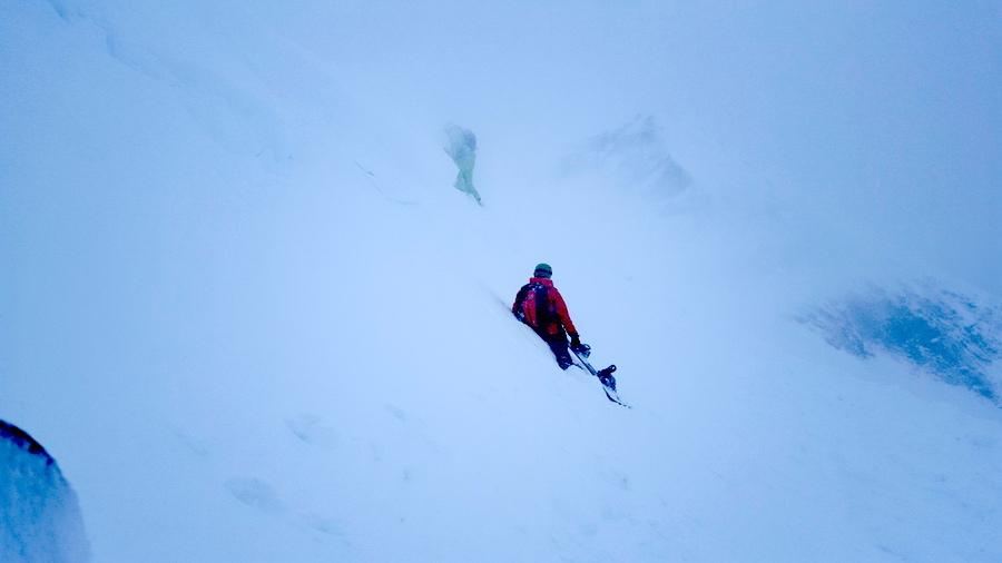 misty-backcountry-hike-offpiste-luke-rees