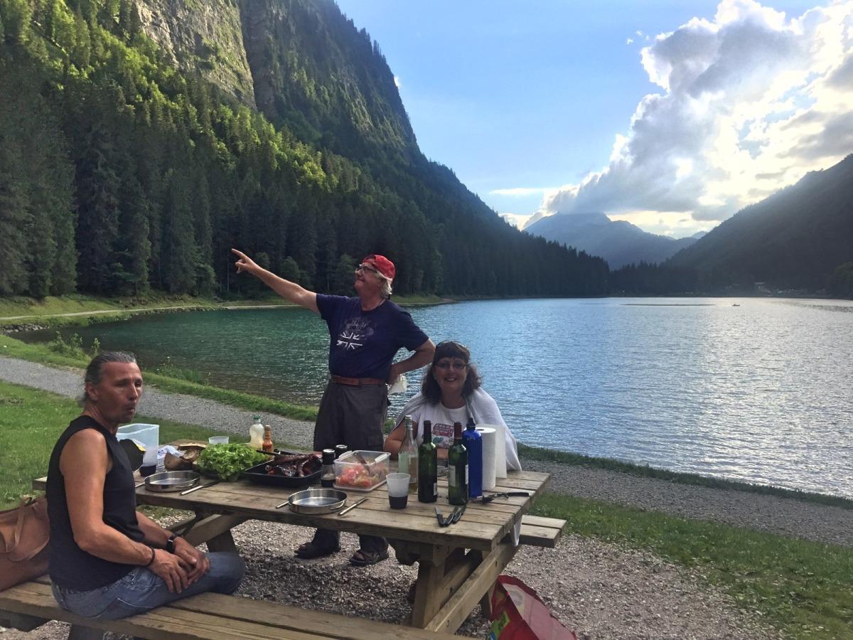Lac du montriond picnic